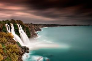 WaterfallIntoOcean